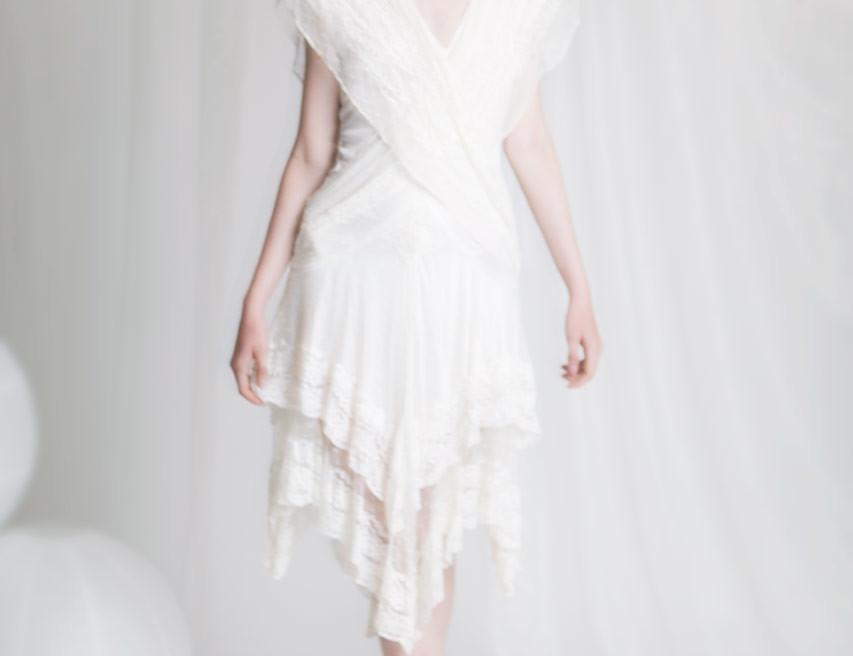 Serenity photoshoot vit vintage klänning - korgflätat hår