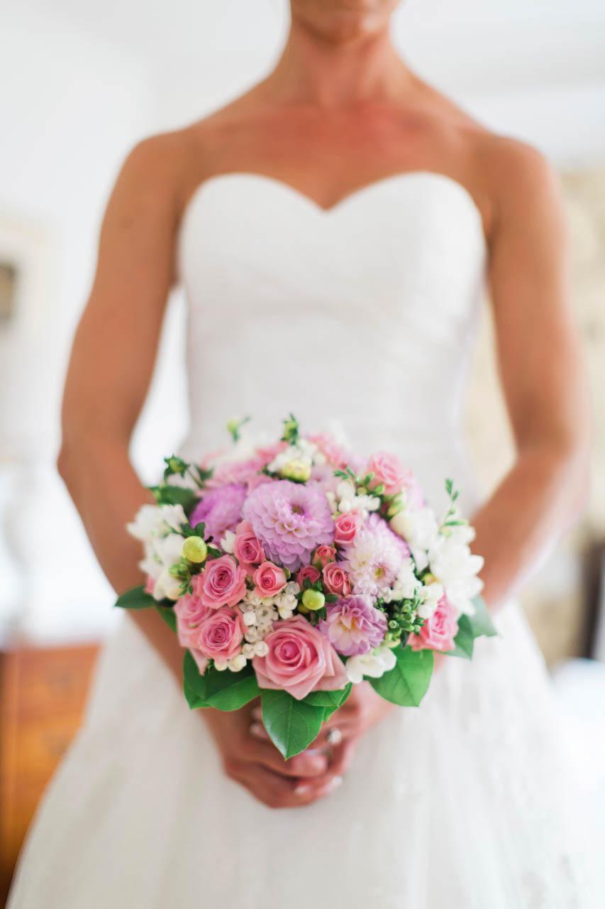 Bröllopsdetalj brudbukett