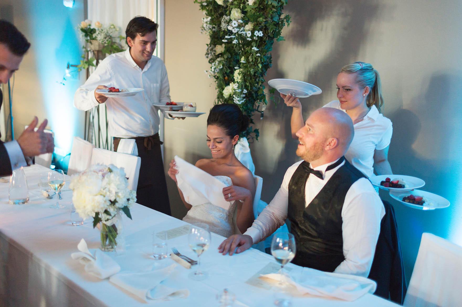 Bröllop på Långedrags värdshus ljussatt festlokal